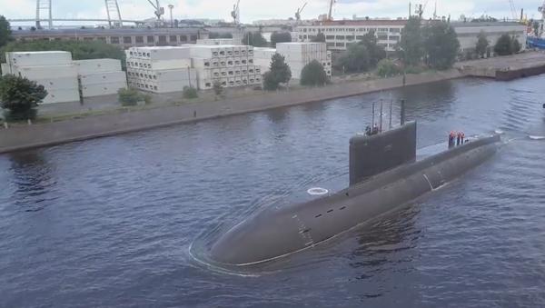 Video: První exkluzivní záběry nejnovější ponorky ruského námořnictva několik dnů před oficiálním zahájením - Sputnik Česká republika