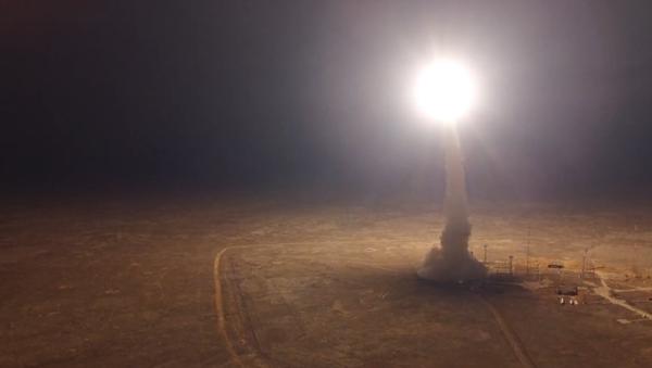Video: V noci na území Kazachstánu byla vypuštěná ruská balistická raketa Topol - Sputnik Česká republika