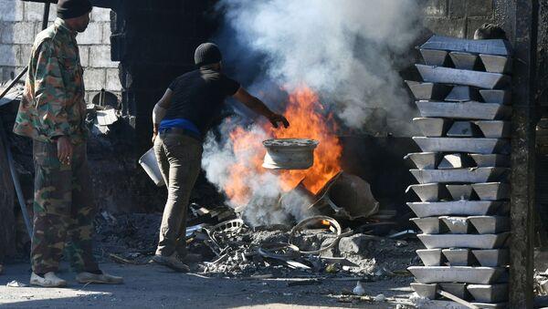 Oheň a kov pro mírové účely aneb Jak funguje hliníkárna na předměstí Damašku - Sputnik Česká republika