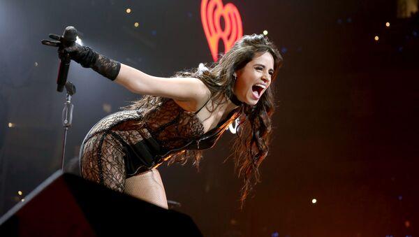 Zpěvačka Camila Cabellová během jejího vystoupení v Dallasu  - Sputnik Česká republika