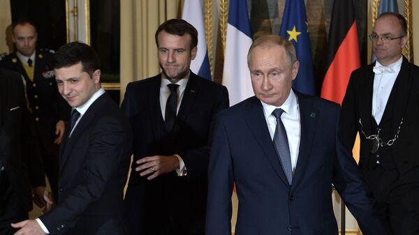 Prezidenti Ruska a Ukrajiny Vladimir Putin a Volodymyr Zelenskyj - Sputnik Česká republika