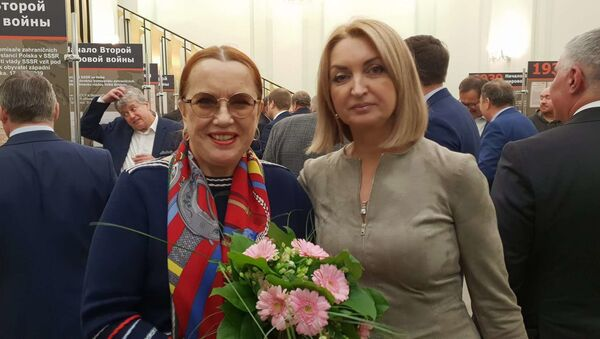 Zleva: Jelena Koněvová, Galina Grigorjevna (autorka filmu Ivan v Evropĕ) - Sputnik Česká republika