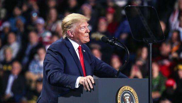 Americký prezident Donald Trump v Michiganu - Sputnik Česká republika