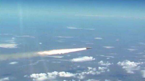 Vypuštění nejnovějších ruských hypersonických raket Kinžal - Sputnik Česká republika