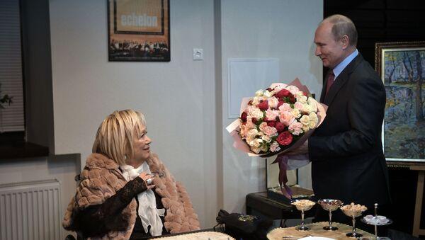 Ruský prezident Vladimir Putin a Galina Volček  - Sputnik Česká republika