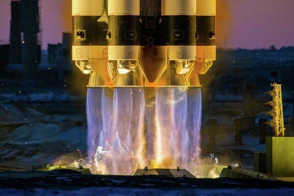 Start rakety Proton M - Sputnik Česká republika
