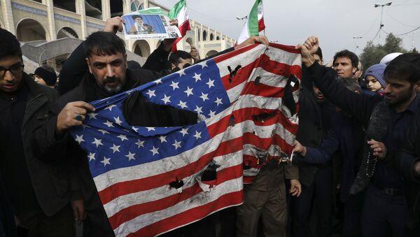 Demonstrace v Iráku po likvidace Sulejmáního - Sputnik Česká republika