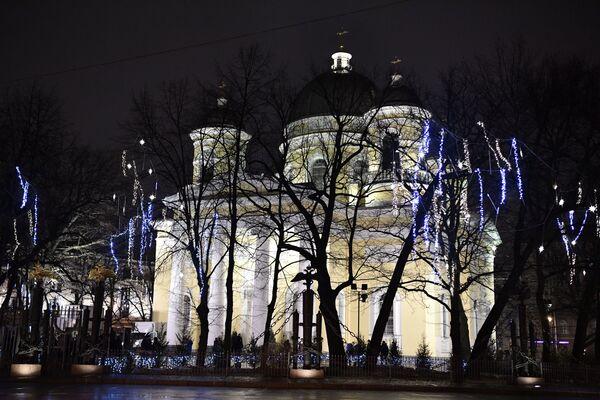 Spaso-preobraženská katedrála v předvečer pravoslavných Vánoc v Petrohradě - Sputnik Česká republika