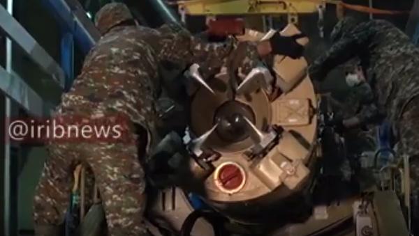 Írán odhalil záběry přípravy raket před útokem na americkou základnu v Iráku. Video přímo z tajného skladu - Sputnik Česká republika
