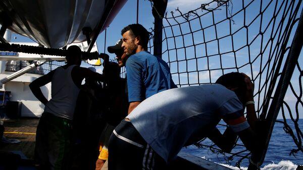 Migranti na německé lodi - Sputnik Česká republika