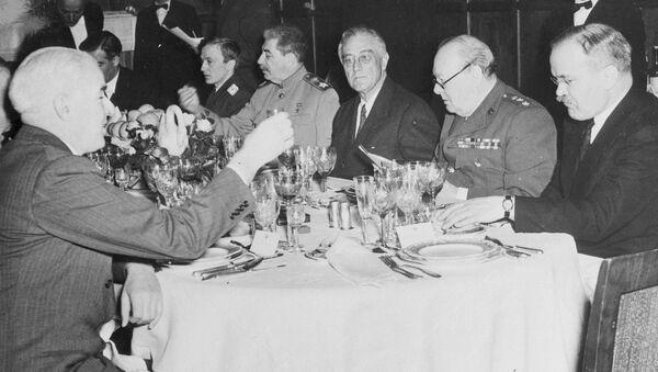 Účastníci Jaltské konference v roce 1945  - Sputnik Česká republika