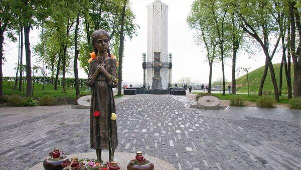 Pomník Hladomor 1932-1933 v Kyjevě na Ukrajině - Sputnik Česká republika