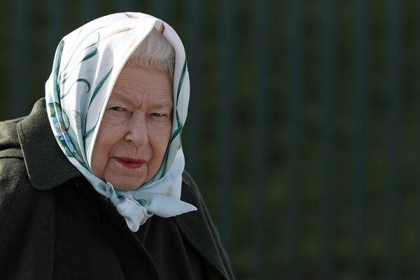Britská královna Alžběta II. během návštěvy Norfolku - Sputnik Česká republika
