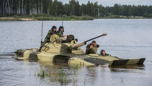 Ruští vojáci během cvičení v Alabině - Sputnik Česká republika