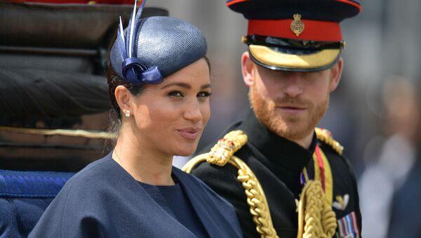 Princ Harry se svou ženou Meghan Markleovou - Sputnik Česká republika