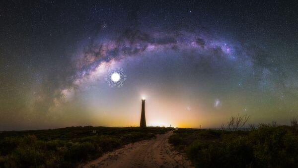 Mléčná draha na pozadí majáku Guilderton v Západní Austrálii - Sputnik Česká republika