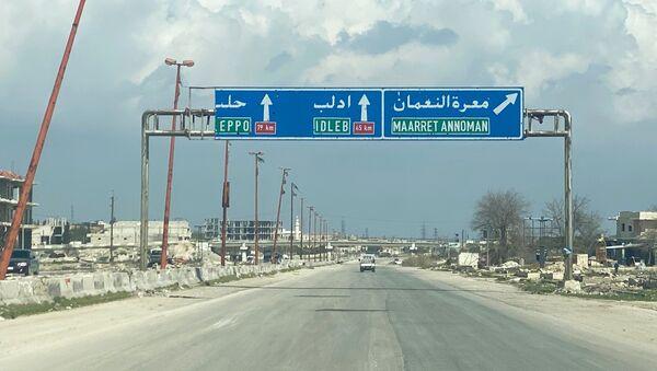 Dálnice M5 Damašek-Aleppo v provincii Idlib - Sputnik Česká republika