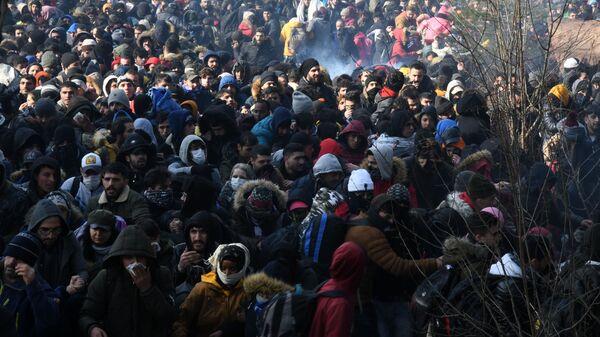 Migranti na hranici mezi Tureckem i Řeckem - Sputnik Česká republika