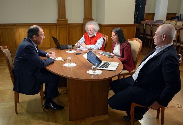 Ruský ministr zahraničí Sergej Lavrov během rozhovoru pro rozhlasové stanice Sputnik, Echo Moskvy a Govorit Moskva - Sputnik Česká republika