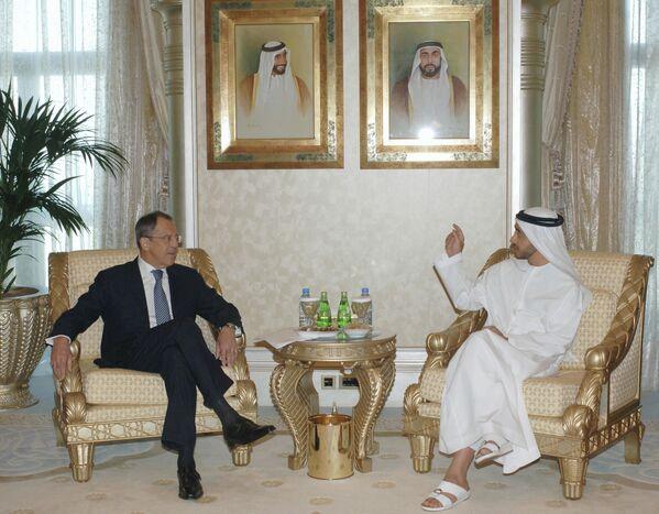 Ruský ministr zahraničí Sergej Lavrov a ministr zahraničí SAE Šejk Abdullah Ben Zayed Al Nahyan v Abú Dhabí - Sputnik Česká republika