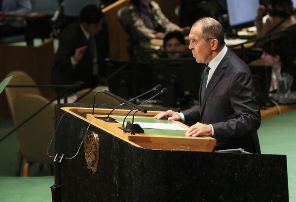 Ruský ministr zahraničí Sergej Lavrov při proslovu na 74. zasedání Valného shromáždění OSN v New Yorku - Sputnik Česká republika
