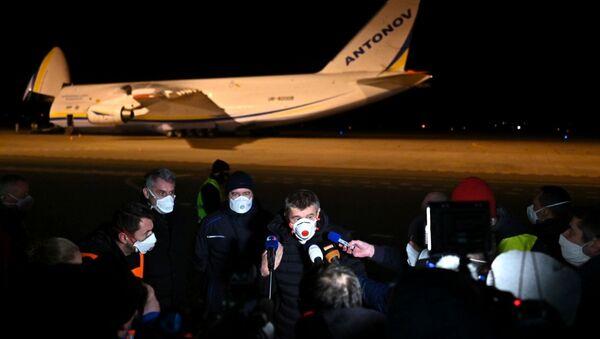 Letoun An-124, který přiletěl se zdravotnickým materiálem do Česka - Sputnik Česká republika