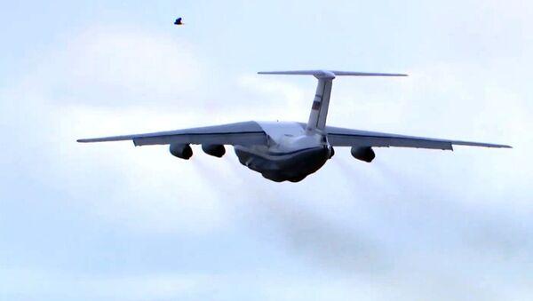 Il-76 na cestě do Itálie - Sputnik Česká republika