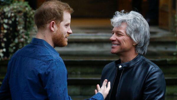 Jon Bon Jovi a princ Harry - Sputnik Česká republika