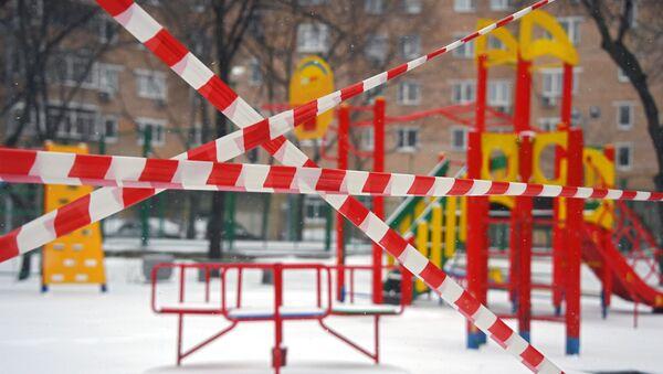 Prázdná města, dezinfekce a silniční kontroly: jak žije Rusko během pandemie - Sputnik Česká republika