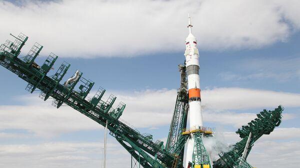 Ракета-носитель Союз-2.1а с пилотируемым кораблем Союз МС-16 на стартовом комплексе космодрома Байконур - Sputnik Česká republika