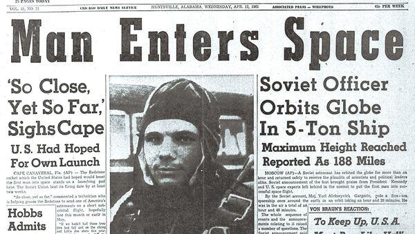 Titulek amerických novin The Huntsville Times 12. dubna 1961 - Sputnik Česká republika