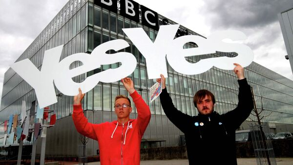 """Skotský politik: BBC se mění na """"hlásič konzervativní propagandy"""" - Sputnik Česká republika"""