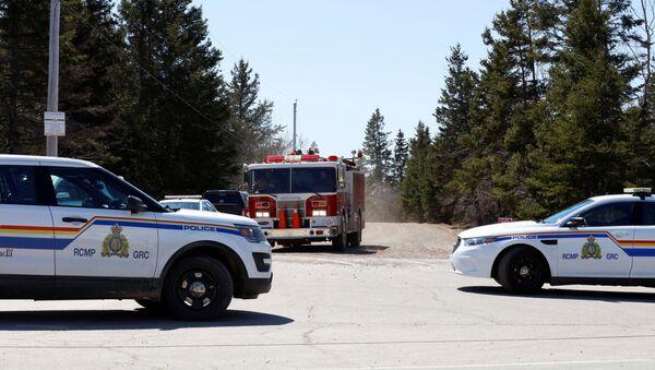 Královská kanadská jízdní policie na Portapique Beach Road - Sputnik Česká republika