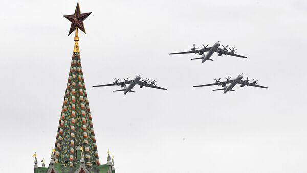 Bombardéry Tu-95MS na letecké přehlídce v Moskvě - Sputnik Česká republika