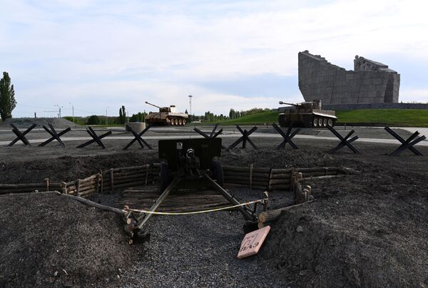 Dělo a německé tanky Tiger a Panther v areálu vojensko-historického muzejního komplexu Sambecké výšiny v Rostovské oblasti. - Sputnik Česká republika