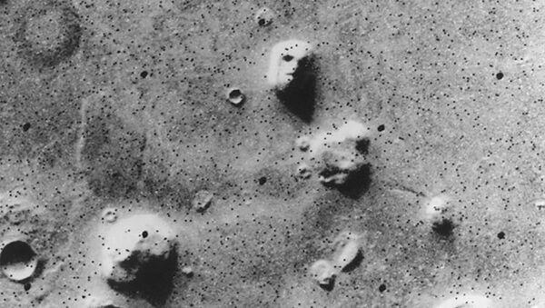 The Face – Tvář: fotografie pořízená stanicí Viking 1 v roce 1976 - Sputnik Česká republika
