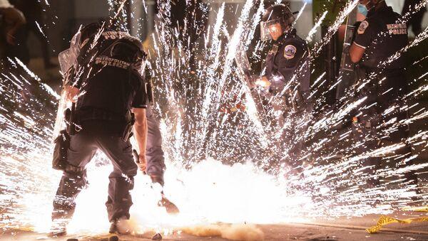Policie ve Washingtonu - Sputnik Česká republika