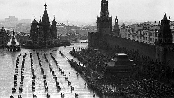 Přehlídka na Rudém náměstí dne 24. 6. 1945. - Sputnik Česká republika