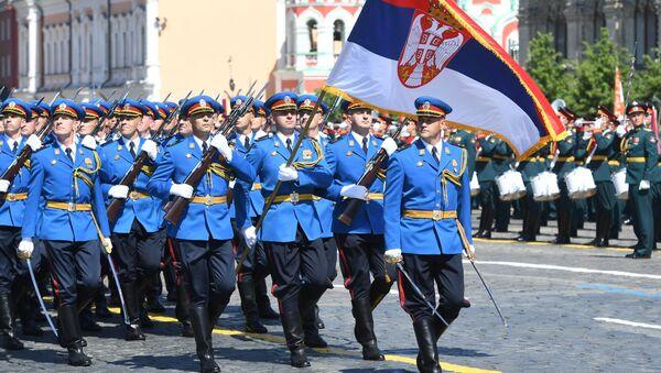 Vojáci srbské armády se také zúčastnili přehlídky vítězství v Moskvě. - Sputnik Česká republika