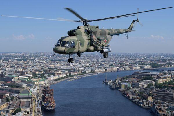 Vrtulník na letecké přehlídce k 75. výročí vítězství v Petrohradě - Sputnik Česká republika