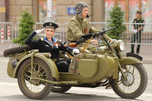 Vojenská přehlídka ve Volgogradu k 75. výročí vítězství - Sputnik Česká republika