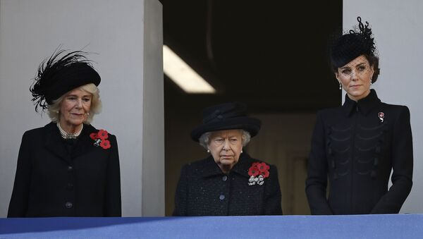 Vévodkyně Kate, královna Alžběta II. a Camilla, vévodkyně z Cornwallu - Sputnik Česká republika