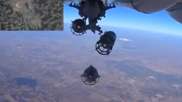 Od startu do přistání: exkluzivní záběry bombardování pozic IS - Sputnik Česká republika
