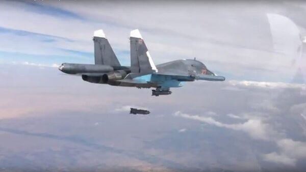 Rusko zasazuje údery po štábu Liva-al-Hak. VIDEO - Sputnik Česká republika