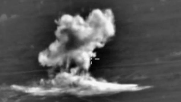 Útoky ruského letectva na pozice IS v provinciích Rakka a Aleppo. VIDEA - Sputnik Česká republika