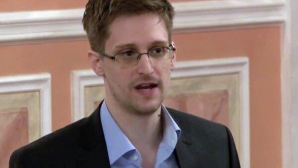 Former NSA contractor Edward Snowden - Sputnik Česká republika