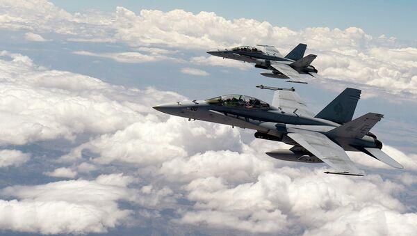 Stíhačky F-18 - Sputnik Česká republika
