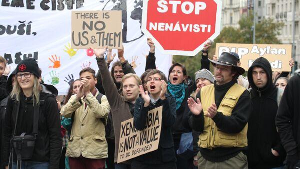 Demonstrace na podporu migrace, kterou uspořádala iniciativa Proti projevům nenávisti. Ilustrační obrázek - Sputnik Česká republika