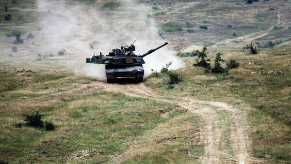 M1A2 Abrams během cvičení. Ilustrační foto - Sputnik Česká republika