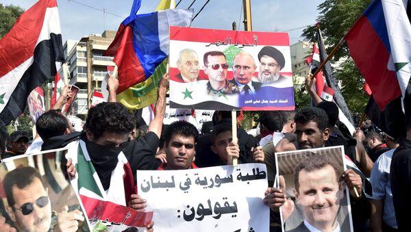 Mítink na podporu Ruska a syrského prezidenta Bašára Asada v Bejrútu - Sputnik Česká republika